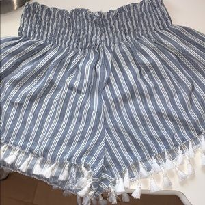 Lose striped shorts